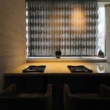 【2名様用横並び個室】記念日やお食事に最適な大人の個室