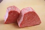 シャトーブリアンは、フィレ肉の中でも最高級の 部位です。
