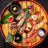 彩りでも楽しめる肉の握り寿司盛合わせ