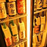 当店の地酒は、全て 米・米麹・水だけで作った『純米酒』のみを抜粋して揃えております。