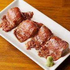 とろけるA5和牛!極上赤身炙り寿司