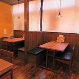 テーブル席(6名様×2、4名様×4)