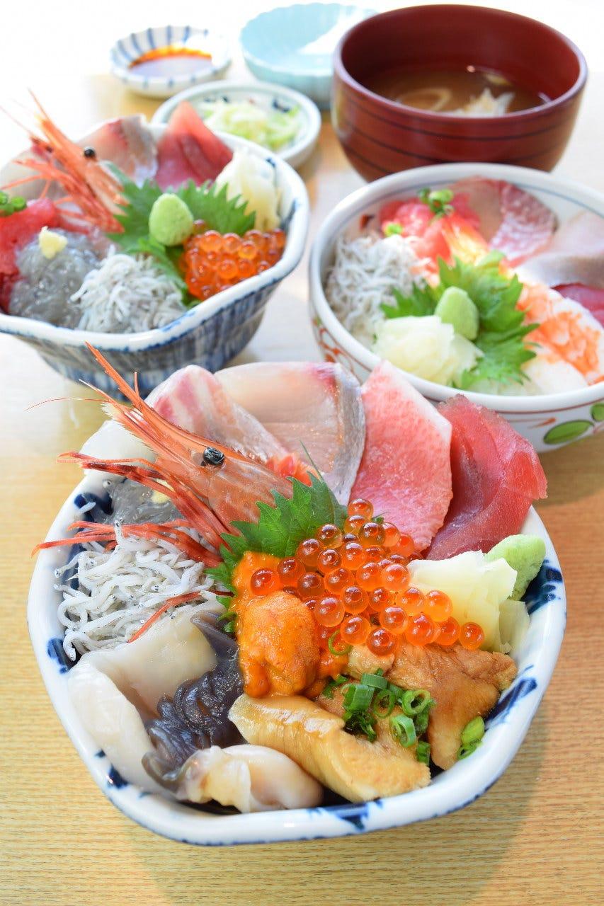 どどーんっと! 新鮮ネタの海鮮丼!