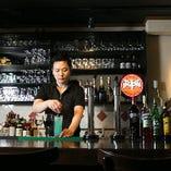 フルーツたっぷりサングリアからオリジナルカクテルまで、幅広い世代の方に楽しんでいただけるお酒のラインナップです!
