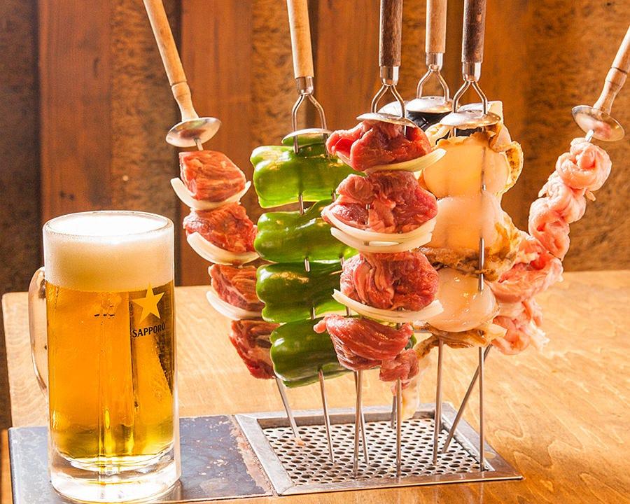 美味しいビールと地場産こだわり料理で楽しく乾杯♪