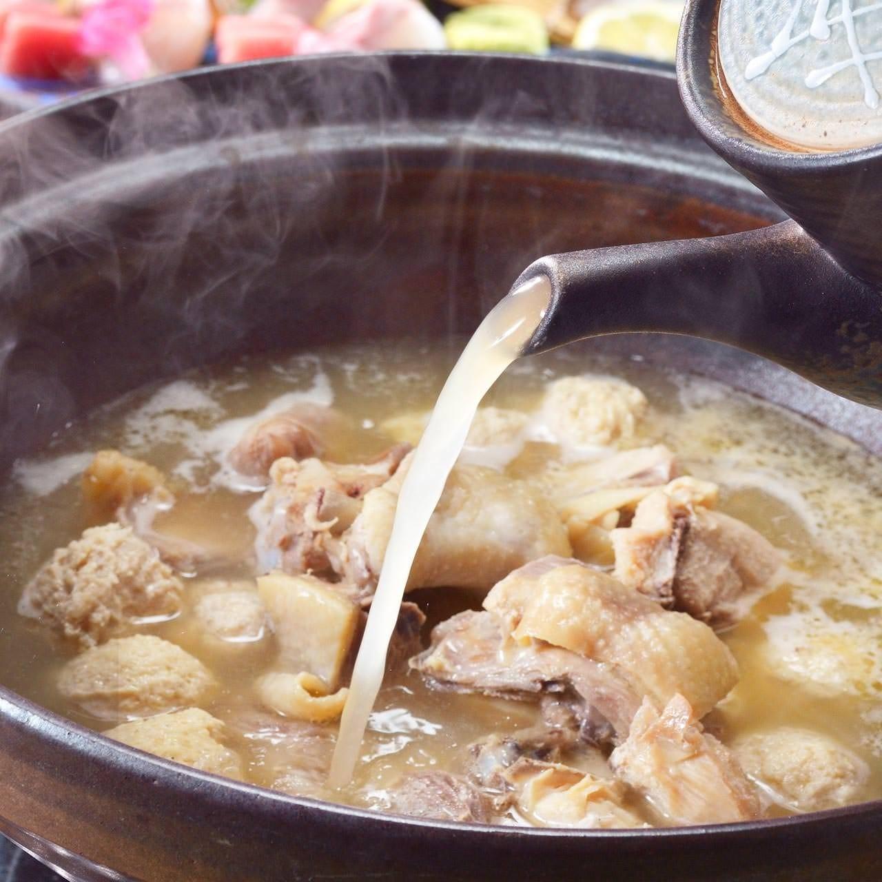 大人気の博多水炊きと博多もつ鍋