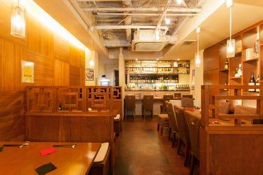 100種の梅酒と本格沖縄料理 あーぐうる 店内の画像