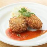 甘辛スジ肉のコロッケ ~トマトソース~