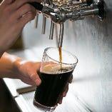 """繊細なクラフトビールを樽生で提供!""""瓶詰め""""とはまた違う、お店だからこそ飲める味をぜひご堪能ください!"""