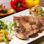 ジューシーで豪快な肉料理多数!いい食材が手に入れば、その日限定メニューとしてお出しすることもありますよ~★