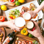 会社宴会、女子会、誕生日会、デート…等々、様々な会にご利用ください!コースのデザートは、メッセージを添えたデザートプレートに変更もできます。
