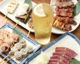 串焼きも、新鮮もつ刺も、豊富な種類をご用意!
