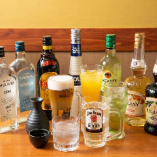 生ビール、酎ハイ、焼酎、ハイボール、カクテル、日本酒など、約40種類が飲み放題(L.O.15分前)