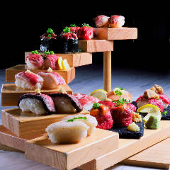 個室で炙り肉寿司を食らう 今昔物語 名古屋栄店