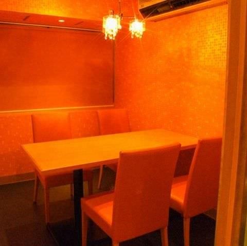 テーブル席・完全個室(壁・扉あり)・2名様~4名様