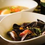 ムール貝のワイン蒸し Steamed mussel