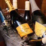 お祝いや記念に欠かせないシャンパンもございます