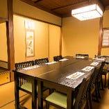 10名様が利用できる2階の個室は落ち着いた雰囲気