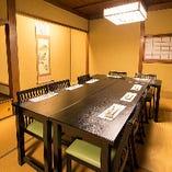 2階には25名様までご利用可能な個室もご用意しています