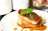ハンガリー産フォアグラと地鶏もも肉のソテー 山椒入りマルサラソース
