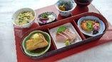 ■今月のおすすめ膳は「ぶり三味膳」三つの味が楽しめます。