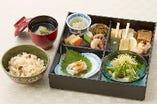 平日昼のみ 1日10食限定 花小箱 1,200円(税込)