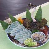 高級魚オコゼです。 活き造りは4000円よりです。 後造りの唐揚げも楽しめます。