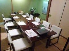 和個室(姫島)・・椅子席です。 接待,会席にもご利用頂けます。