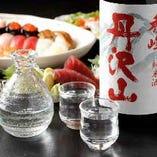 自慢の寿司と相性の良い日本酒を数多く取り揃えております