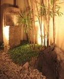 木の温もりと和の趣が心地良い 空間を作り出しています。