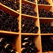 ワインの価格は良心的で品揃えも充実