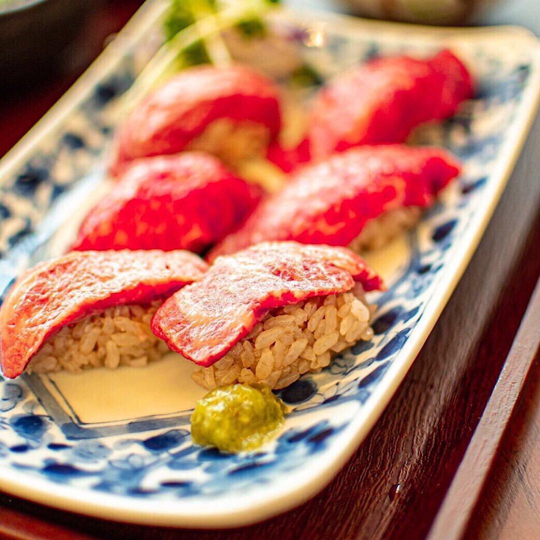 ランチでも肉の寿司をお楽しみ頂けます!