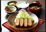 贅沢の極み!やまと豚厚切ヒレかつ定食 <税込2,289円>