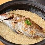 【鯛めし】 新潟産のコシヒカリを土鍋でふっくら炊き上げました