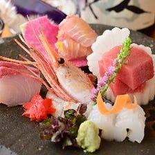 日本各地から仕入れる天然物の旬魚