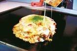 粉もんず特製・道産食材で作るお好み焼(チーズトッピング)