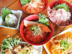 魚〇 朝採れ鮮魚の海鮮丼 ‐KAMAKURA‐