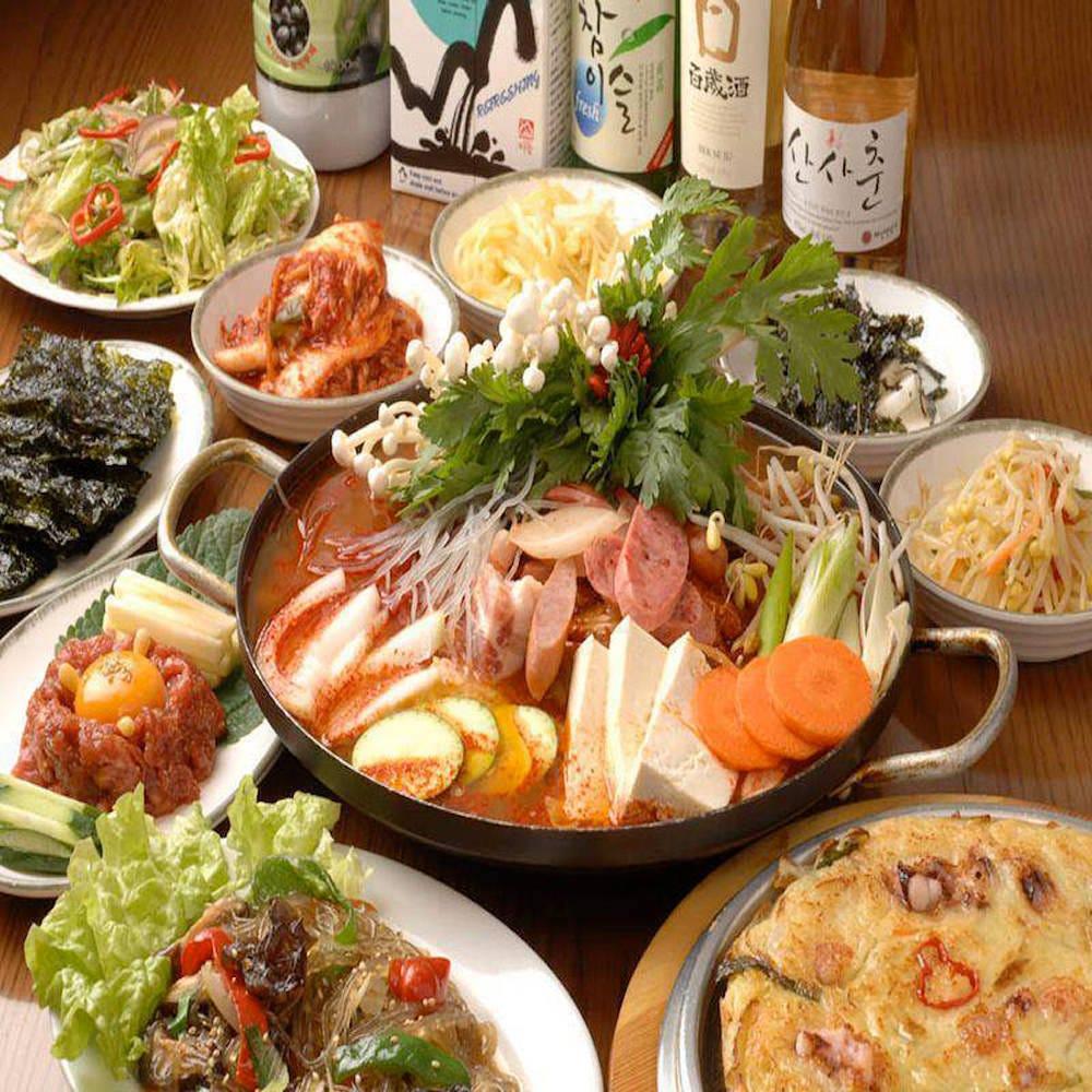 名物サムギョプサル&スンドゥブチゲ付き全9品「豚ブザお手軽コース」 2000円