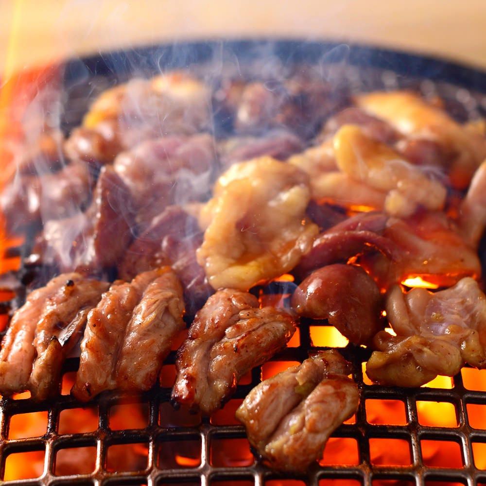 厳選した銘柄鶏を鶏焼肉で愉しむ!