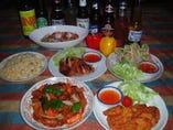 オーナーがアジア各地を訪ね、   厳選されたお料理です★