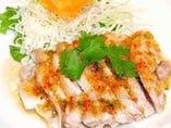 鶏肉のレモンソース (ガイ・マナオ)
