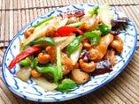 鶏肉とカシューナッツ炒め(ガイ・パッ・メット・マムアン)