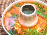 トムヤムクン(海老のスパイシー&サワースープ)