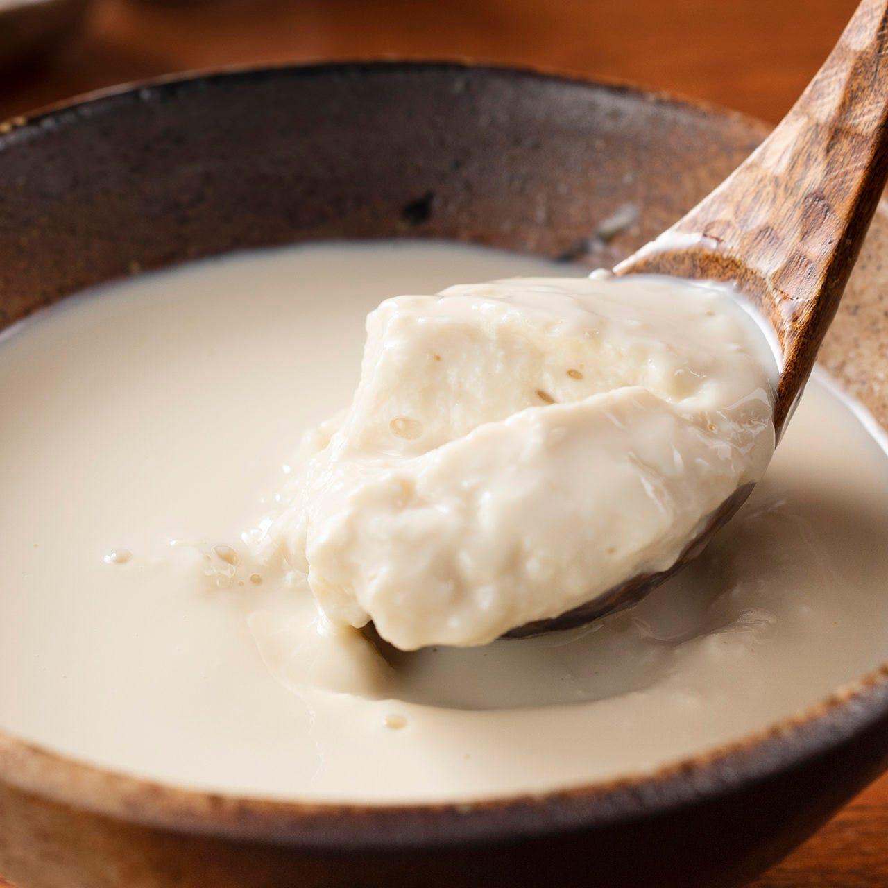 濃い豆乳をその場で寄せる手作り豆腐