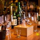 酒器も様々にご用意。その銘柄に合った杯でご提供いたします