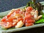 ダントツ一番の塩ハラミ。新鮮朝引き鶏を七輪でお好みの焼き加減でご賞味ください。