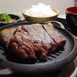 山形米沢牛&豚! 大阪の有機野菜を使ったメニューがたくさん!