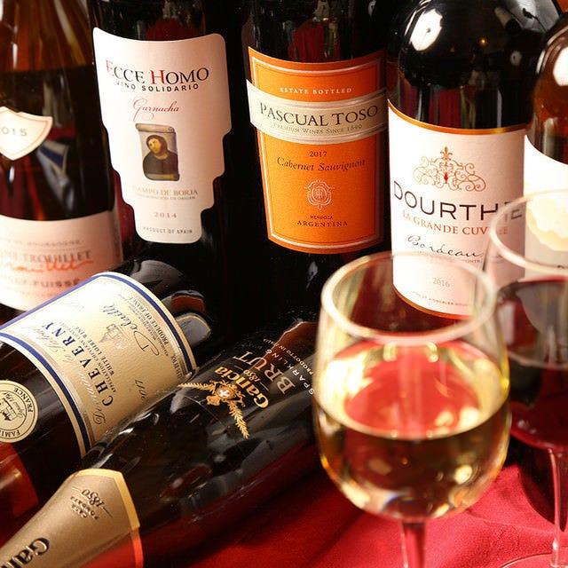 世界各地より取り揃えたワインリスト
