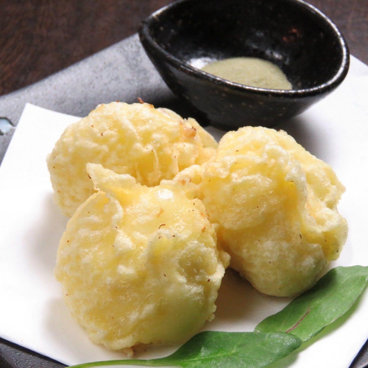 蔵王クリームチーズの天ぷらは抹茶塩で風流に食すのが正解◎