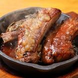 オニオン or タプナード or BBQの好みのソースをが選べる!